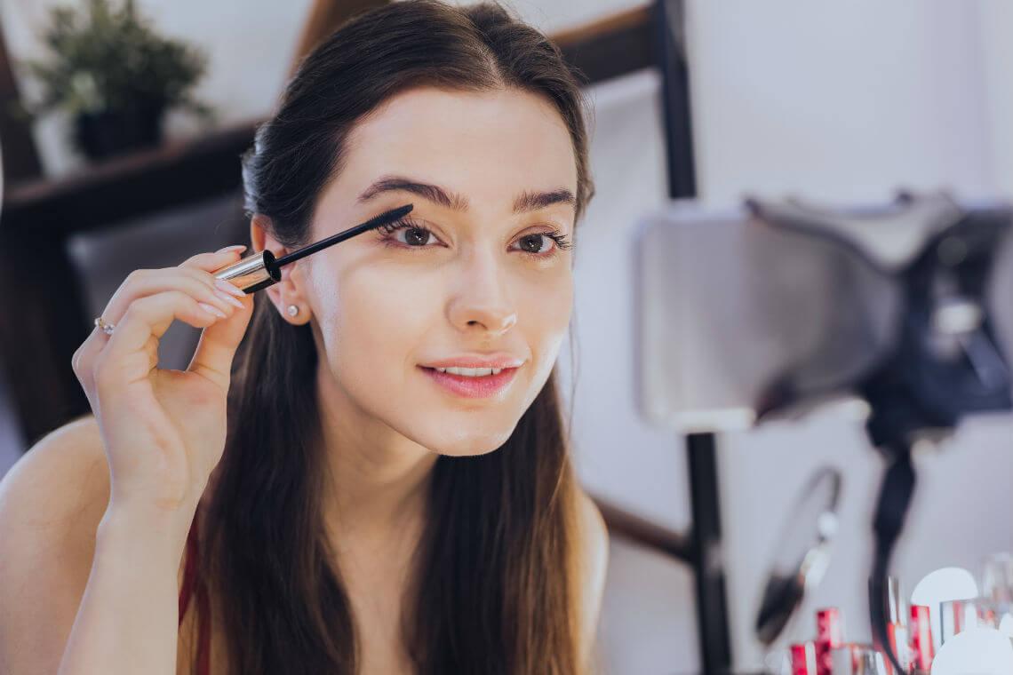 makeup artist kit mascara